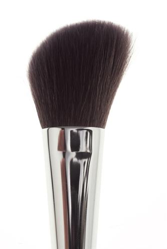 angle blush brush